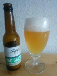 Mad Yeast - Mad Saison - i Flaske og glas
